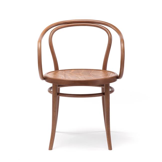 Træfarvet ton no 30 stol