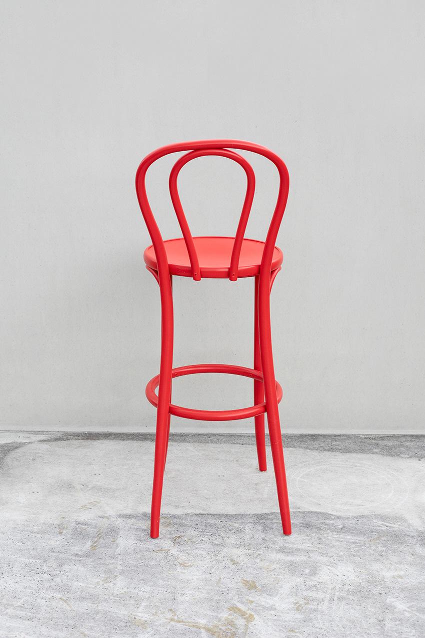 Rød Barstol no. 18